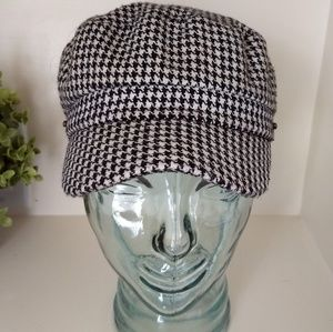 ALDO Houndstooth Hat Newsboy Cabbie Black White